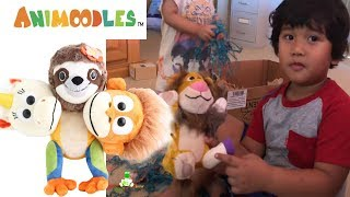 ANIMOODLES magnetic Mix and Match Plush Animals! Unboxing Toy Review