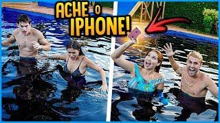ÚLTIMO CASAL A ACHAR O IPHONE NA PISCINA COM CORANTE GANHA 5000R$!! [ REZENDE EVIL ]