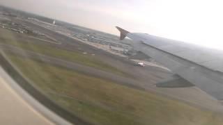 Взлёт самолёта из аэропорта Фьюмичино (Рим)
