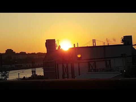Sun/moon September 25th/2017 7pm Halifax NS weird haze tonight in the sky