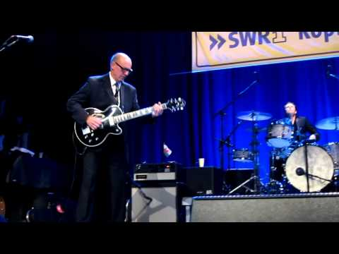 Andy Fairweather Low - Baby What You Want Me To Do  (live 2011)