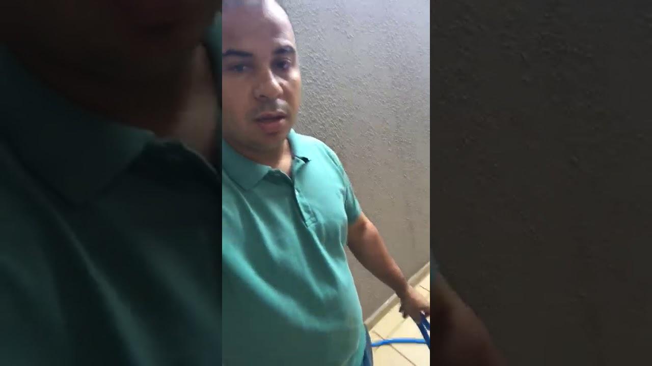Vereador Filipe Martins faz vídeo mostrando má qualidade da água em Palmas