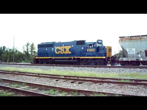 CSX GP40-2 Pulling in Notch 8!