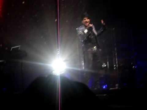 Adam Lambert Bowie Medley Greensboro, Nc