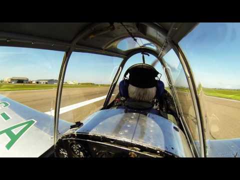 Flight in Chipmunk DHC1-A1 G-AKDN