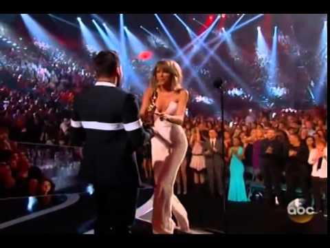 Taylor Wins Billboard Chart Achievement Award At BBMA 2015