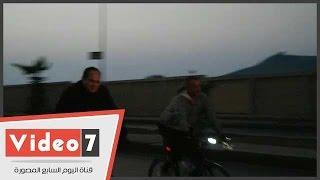 السيسي يقود دراجته وسط طلاب أكاديمية الشرطة بالتجمع الخامس.. انفراد