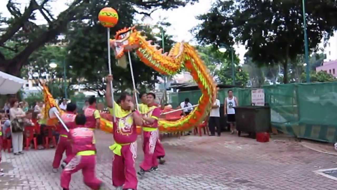 Dragon Dance for Chinese Mid Autumn (Mooncake) Festival in Singapore    EnterSingapore info