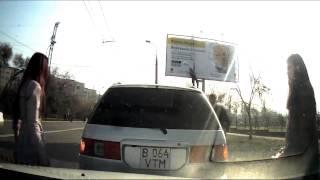 Прикол. Авария девушки на видеорегистратор в Алматы