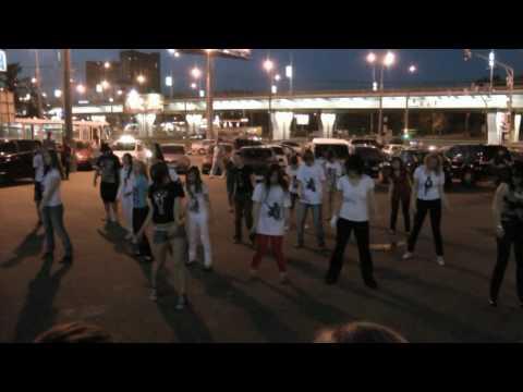 Акция памяти Майкла Джексона 25 июня 2010 г  Космос  Флешмоб