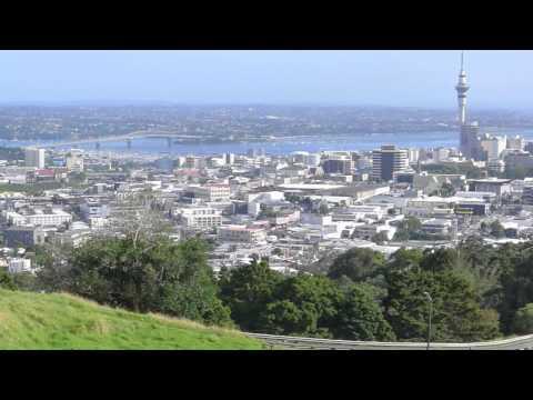 Auckland - New Zealand ( Mount Eden, Sky Tower )
