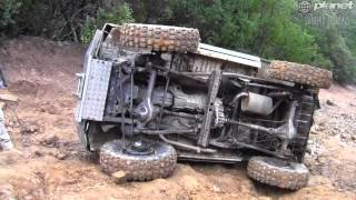 CRASH  LAND CRUISER TOYOTA - roll over Toy.mp4