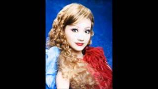 宝塚歌劇団は27日、星組トップ娘役、夢咲ねねが 来年5月10日付で、...
