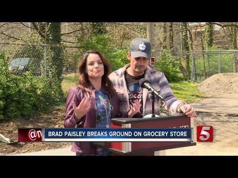 Brad Paisley and Kimberly Williams Paisley break ground on nonprofit Mp3