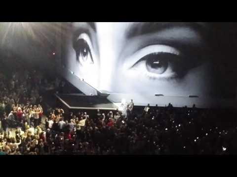 Adele 11.05.16 Live Hello (Hamburg Barclaycard Arena)
