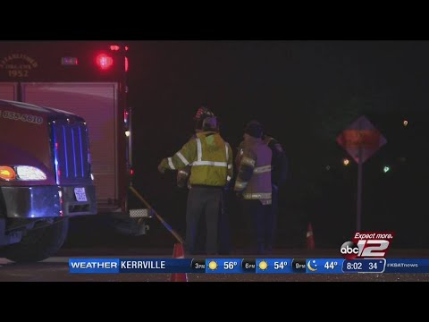 Major wreck shuts down Loop 1604 lanes
