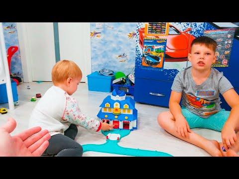 Машинки для мальчиков. Дети играют в гонки с Robocar Poli!