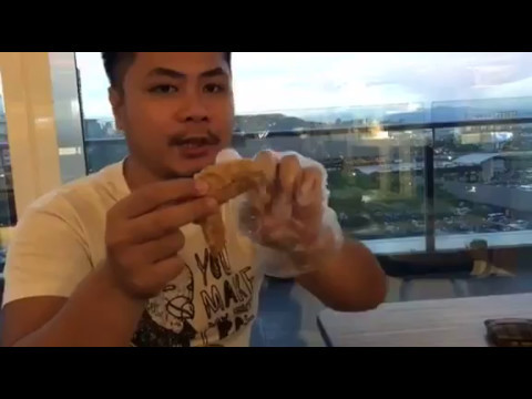 How to Eat Chicken Wings Using Just 3 Fingers   Clean and Fast
