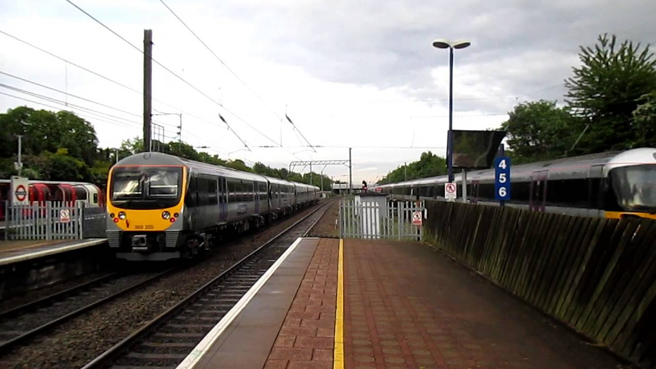 Hd heathrow express livery 360205 working heathrow connect hd heathrow express livery 360205 working heathrow connect ealing broadwaywest ealing 23513 sciox Choice Image