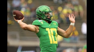 Justin Herbert Throws 5 TDS to Lead Oregon to 77 Points