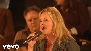 Karen Peck and New River - Hold Me While I Cry [Live]