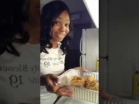 How I Make My Left Over Fried Chicken Crispy Again! 😋😋