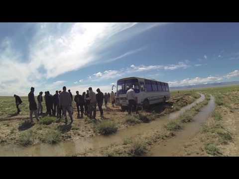 Bus break down in Mongolia.