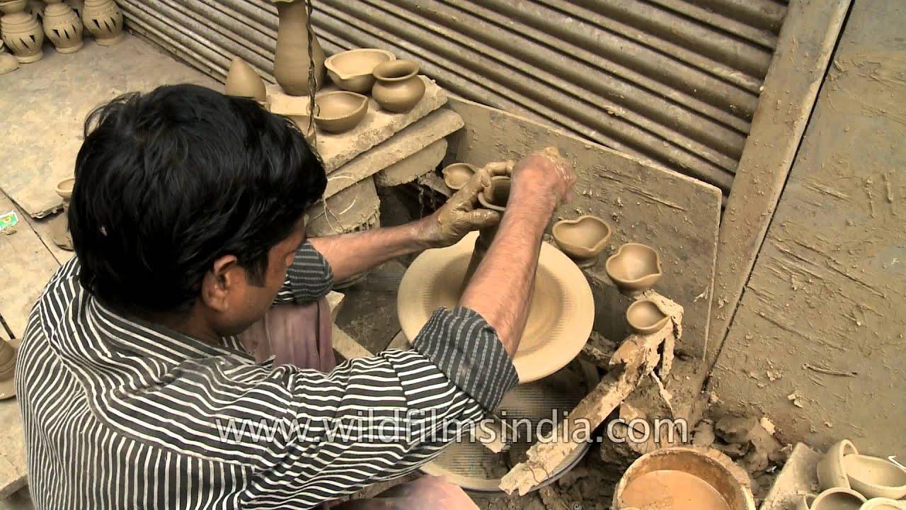 Diwali time at Paharhanj : clay diya making - YouTube