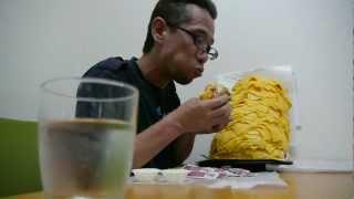 Crazy Whopper Round Two: RN24 vs. 1,000 slices of cheese ハンバーガーにチーズを1000枚追加して食べる