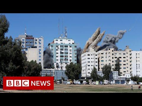Israel destroys Gaza tower housing foreign media - BBC News