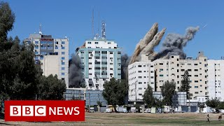 Israel destroys Gaza tower housing foreign media - BBC News