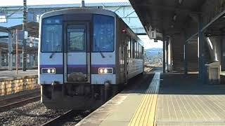 美祢線普通列車(キハ120系ワンマンカー)・仙崎へ向け厚狭駅を出発