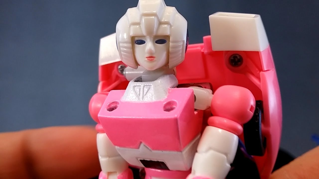 ... 01 Delicate Warrior Review ( AKA 3rd Party G1 Style Arcee ) - YouTube