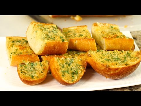 the-ultimate-garlic-bread-with-roasted-garlic-by-rockin-robin