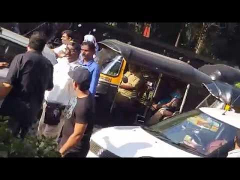 some one abused to  Mumbai police man doing job but indan people ...policeman to duty kar reha par ?