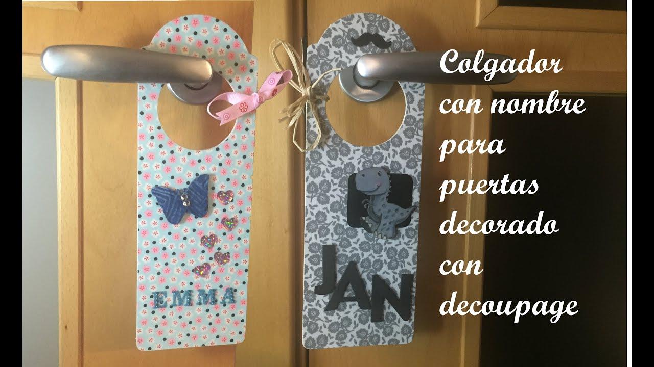 Colgador con nombre para puertas decorado con decoupage y for Puertas decoradas con payasos