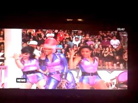 Nicki Minaj  Check it out ft WillIAm