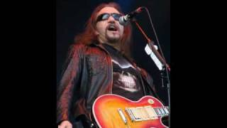 Watch Ace Frehley Remember Me video