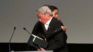 El Festival de Cannes se reconcilia con Alain Delon y le concede la Palma de Oro de honor