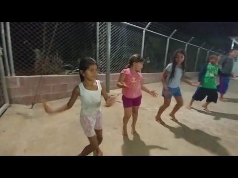 NECESITAMOS TU VOTO.  Grupo C: Los niños y Nano. Bailando por una punta catracha Ronda 1. Parte 5/5