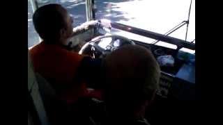 Ученик за рулём троллейбуса Часть 1