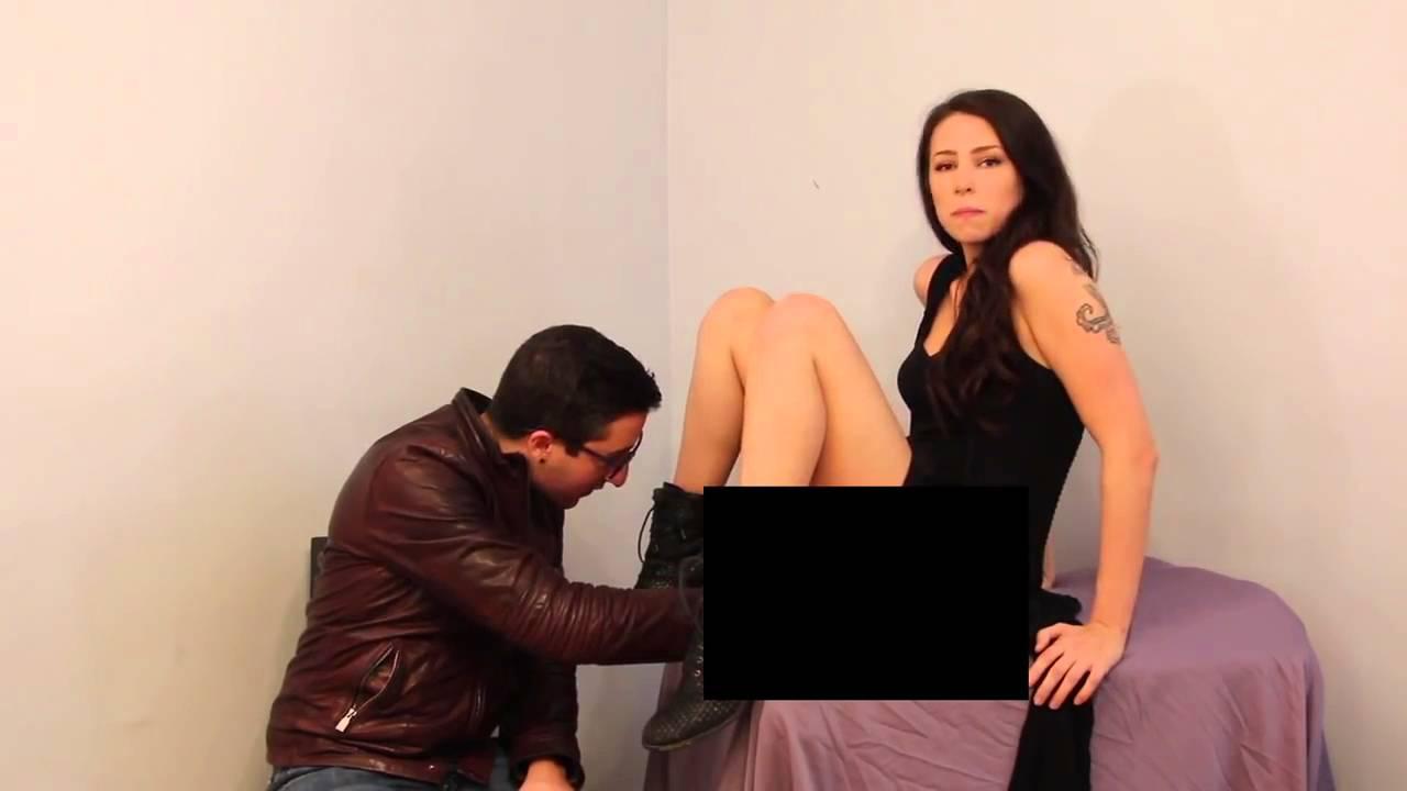Oliendo nalgas de mujeres nalgonas - 1 part 8