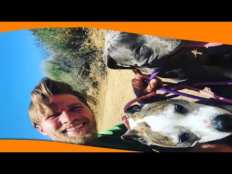 """✅  """"Любовнички"""": Кейли Куоко сделала фото топлесс, валяясь с собакой"""