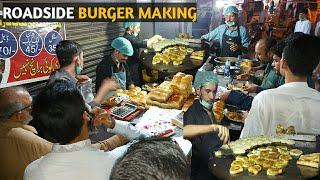 ROADSIDE BURGER MAKING | Super Fast Cooking Skills | Egg Anda Bun Kabab At Street Food Of Pakistan.