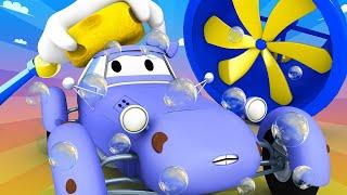 Toms Autowaschanlage -  Katy das Kitcar ist nach einem Rennen voll mit Schokolade - Autopolis  🚓 🚒