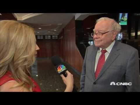 Warren Buffett: Speaks to CNBC about Apple and IBM