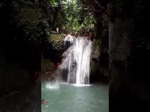 Busagak falls in Pinamungajan