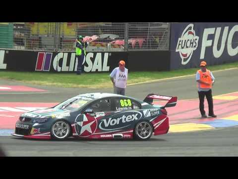 Craig Lowndes Lap of Honour at the 2016 Clipsal 500