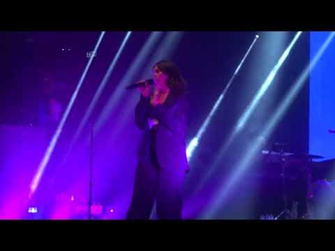 Dua Lipa - Dreams/No Lie (Live)