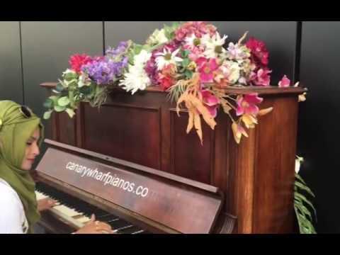 aklima islam, Canary Wharf street piano